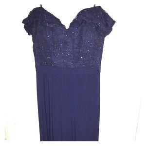 Nightway formal dress